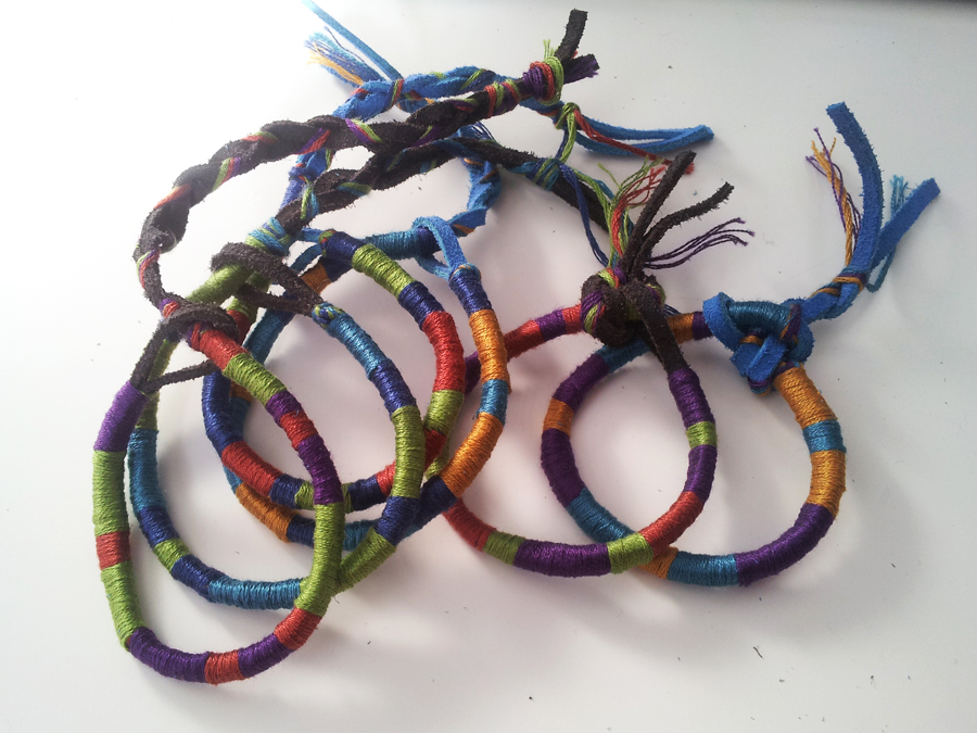 how to make bracelets out of thread