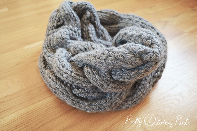Free Knitting Pattern Infinity Cable Scarf : Pretty Quirky Pants DIY Infinity Cable Knit Scarf