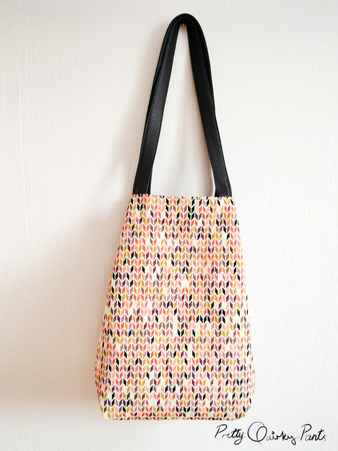 Pretty Quirky Pants | DIY Tote Bag - with zipper pocket instructions