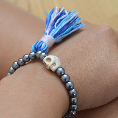 diy stretch bead tassle bracelet feature