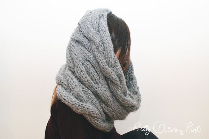 INFINITY CABLE KNIT SCARF 2
