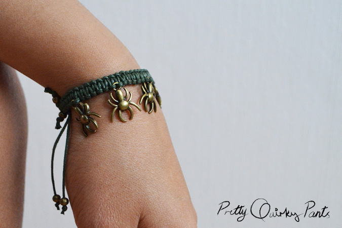 macrame spider bracelet feature