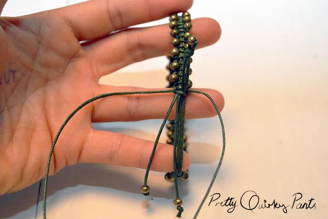 macrame beaded bracelet finish3